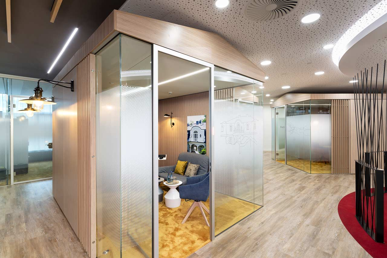 Raum-in-Raum Beraterraum Sparkasse