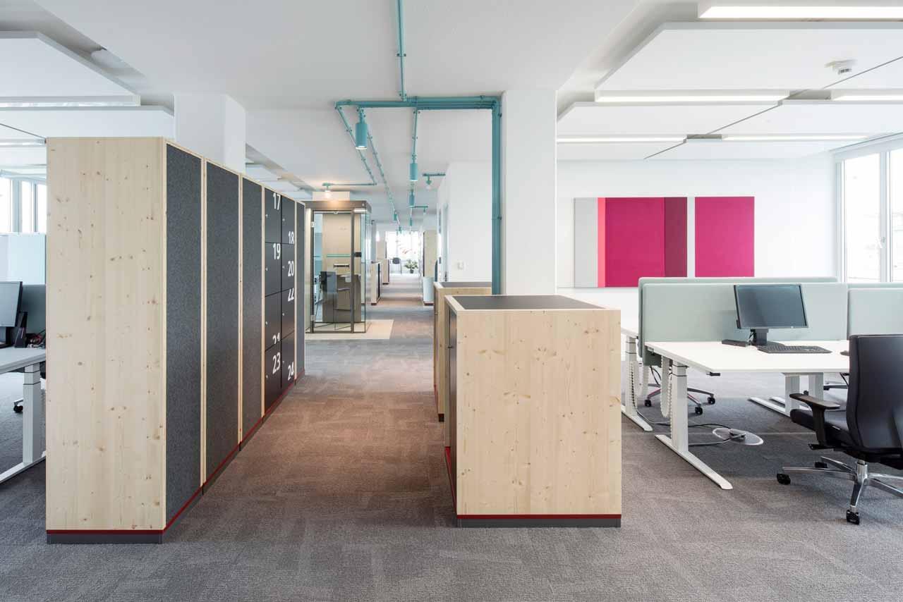 smart office mit Wertfächern und Telefonzelle
