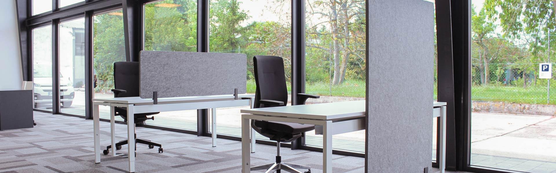 Möbelkonfiguration mit Akustikelementen peTEX
