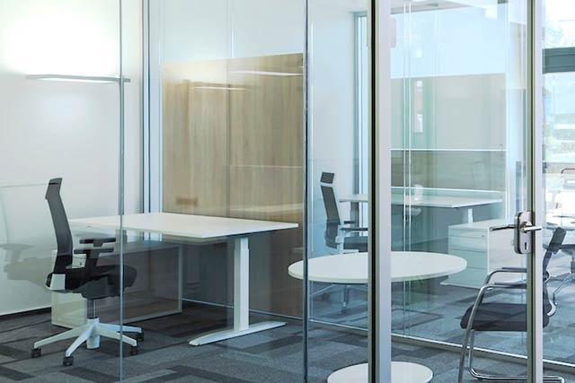 Glaswand ohne vertikale Rahmen